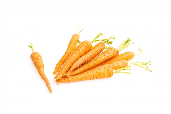 Mini Karotten mit Grün